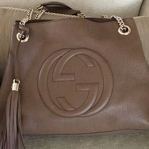 Gucci leather chain purse